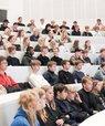 For at løse de stillede udfordringer blev eleverne delt i grupper af 4-6 og fik tilknyttet to såkaldte innovationscoaches, som bestod af studerende fra Business Development Engineering-uddannelsen (BDE) ved instituttet.